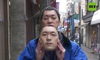 Clip thanh niên Nhật mở tiệm kinh doanh 'mặt nạ người thật'