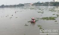 Xà lan tông chìm ghe trên sông Sài Gòn rồi bỏ chạy, 1 phụ nữ mất tích