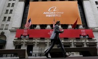 Trump ký luật đẩy các công ty Trung Quốc khỏi sàn chứng khoán ở Mỹ