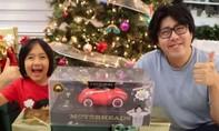 Cậu bé 9 tuổi đứng đầu danh sách kiếm tiền từ YouTube với gần 30 triệu USD
