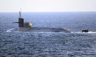 """Tàu ngầm hạt nhân Mỹ đi qua eo Hormuz """"dằn mặt"""" Iran"""