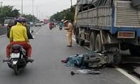 Tông đuôi xe tải đang dừng ven đường, người đàn ông tử vong tại chỗ