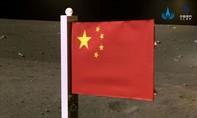 Trung Quốc trở thành nước thứ hai cắm cờ trên Mặt Trăng
