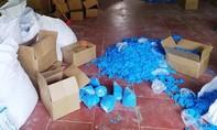 Phát hiện 8,15 tấn găng tay y tế đã qua sử dụng