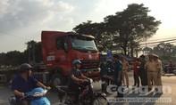 """""""Hung thần"""" container cuốn xe máy, 1 người tử vong tại chỗ"""