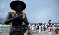Du khách Trung Quốc tìm cách ở lại nước ngoài để tránh dịch