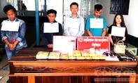 """Nhóm người nước ngoài dùng súng """"áp tải"""" ma túy vào Việt Nam"""
