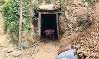 Điều tra vụ bắt giữ 11 người trái pháp luật liên quan khai thác vàng