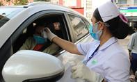 Chủ động sàng lọc người dân ra vào bệnh viện để phòng chống COVID-19