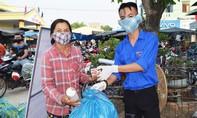 Đổi rác thải nhựa lấy sản phẩm phòng chống dịch Covid-19