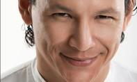 Đầu bếp nổi tiếng xúc động với hình ảnh chống Covid-19 tại Việt Nam