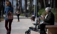 Tây Ban Nha quá tải như Ý, nhiều bệnh nhân lớn tuổi bị bỏ mặc