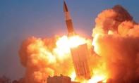 Triều Tiên bắn nhiều tên lửa ra biển giữa đại dịch Covid-19