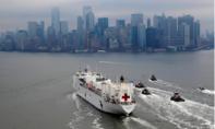 Tàu bệnh viện 1000 giường cập cảng
