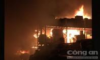 Xuyên đêm khống chế vụ cháy tại xưởng gỗ trong KCN Cát Lái