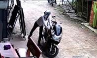 Vừa trộm xe, đang dắt đi tiêu thụ thì bị bắt