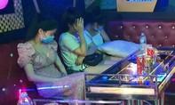 Bất chấp lệnh cấm, quán karaoke để 11 dân chơi vào phê ma túy