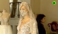 Clip Israel thiết kế váy cưới cho cô dâu mùa dịch nCoV