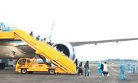 Sân bay Vân Đồn đón 93 người về từ Anh theo quy trình khép kín