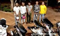 Nhóm thiếu niên bị phạt trồng cây vì đua xe trái phép