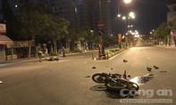 Xe máy tông nhau ở Sài Gòn, 1 người chết, 4 người bị thương