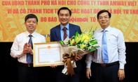 Amway Việt Nam nhận bằng khen về hỗ trợ người dân chống dịch