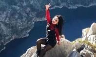 Thiệt mạng vì cố chụp hình 'tự sướng' trên vách núi cao 35m