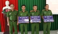 Công an Tây Ninh: Khen thưởng các đơn vị phá nhiều vụ đánh bạc lớn
