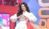 Hoa hậu Khánh Vân khoe tài sắc