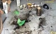 Kéo quân đi trả thù, ném bom xăng khiến 2 cháu bé bỏng nặng