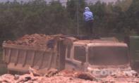 """Thừa Thiên Huế: """"Nóng"""" xe quá tải chở vật liệu đến các dự án"""