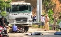 Hai người đi xe máy tử vong sau cú va chạm xe tải