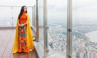 H'Hen Niê diện áo dài quảng bá du lịch trên tòa nhà cao nhất Việt Nam