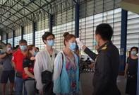 Du khách 'đặt cọc' 3.000 USD mới được nhập cảnh Campuchia