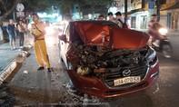 Xe 4 chỗ gây tai nạn liên hoàn, tài xế có dấu hiệu uống rượu bia