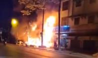 Sau tiếng nổ lớn trong đêm, 3 căn nhà cháy rụi