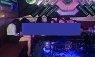 Đột kích quán karaoke có nữ tiếp viên khoả thân múa phục vụ khách