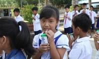 Vinamilk là đơn vị triển khai sữa học đường tại Trà Vinh
