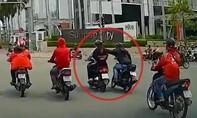 Clip nhóm cướp có cản địa dàn cảnh giật điện thoại