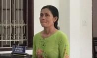 Cán bộ phụ nữ ấp lừa gần 800 triệu, lãnh 10 năm tù