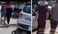 """Vụ chủ hụi bị """"lập bàn thờ"""": Người dân vây bắt đối tượng trên taxi"""