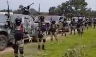Clip băng đảng ma túy Mexico được vũ trang như quân đội