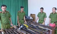 Công an Lâm Đồng thu giữ cả ngàn súng, mìn, kíp nổ các loại