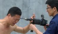 Clip võ sư Trung Quốc biểu diễn dùng máy khoan khoan thẳng vào đầu