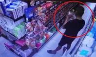 Người bôi nước bọt ở siêu thị Đà Nẵng có tiền án và bị tâm thần