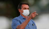"""Tổng thống Brazil nói """"bị mốc hai lá phổi"""" vì phải cách ly"""