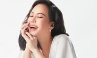 Việt Hương khoe dáng dịu dàng với đầm trắng