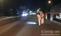 Chạy xe máy vào làn ô tô, một người bị xe container tông chết