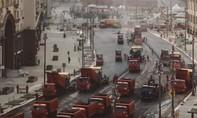 Clip ấn tượng xe công trình trải nhựa đại lộ lớn ở Nga trong 1 ngày