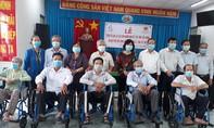 Tặng 230 chiếc xe lăn, xe lắc tình thương cho người khuyết tật